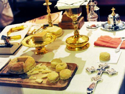 Pocăinţa – pregătirea continuă pentru împărtăşirea cu Sfinta Împărtăşanie